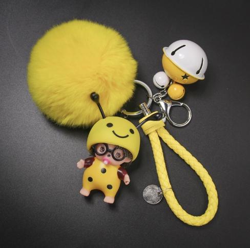 พวงกุญแจ ขนฟู รุ่น Baby doll สีเหลือง