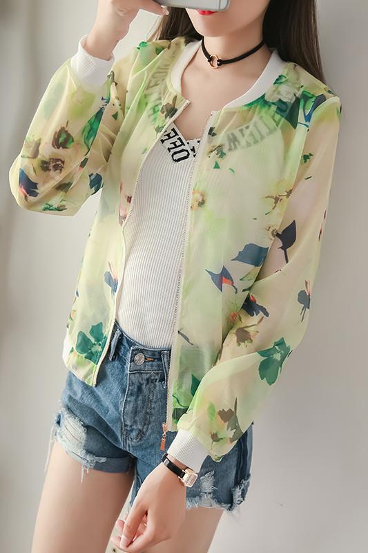 เสื้อคลุม พร้อมส่ง เสื้อคุลมแฟชั่น สีโทนเขียว ผ้าชีฟอง เนื้อบาง ใส่สบาย แต่งลายดอกไม้หวานๆ