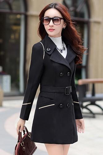 (พร้อมส่ง XL)เสื้อโค้ทแฟชั่น พร้อมส่ง สีดำ ตัวยาว คอปก สุดเท่ห์ กระดุมหน้า 2 แถว แต่งขลิบสีขาวช่วงหัวไหล่ ปลายแขน กระเป๋าเก๋ๆ มาพร้อมเข็มขัดเข้ากับตัวชุด ใส่ไปต่าง ประเทศได้มีกระเป๋าสองข้าง มีซับใน