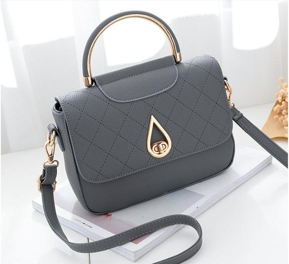 กระเป๋าถือ simple plate (สี Gray)