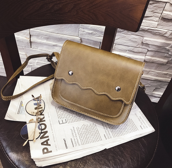 กระเป๋าถือ poppy bag (สี yellow green )