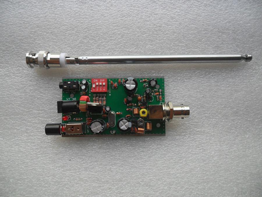 ชุดเครื่องส่งวิทยุ FM 76-89 MHz สำหรับเชื่อมโยงสัญญาณ แบบบัดกรีแล้ว พร้อมเสาสไลต์
