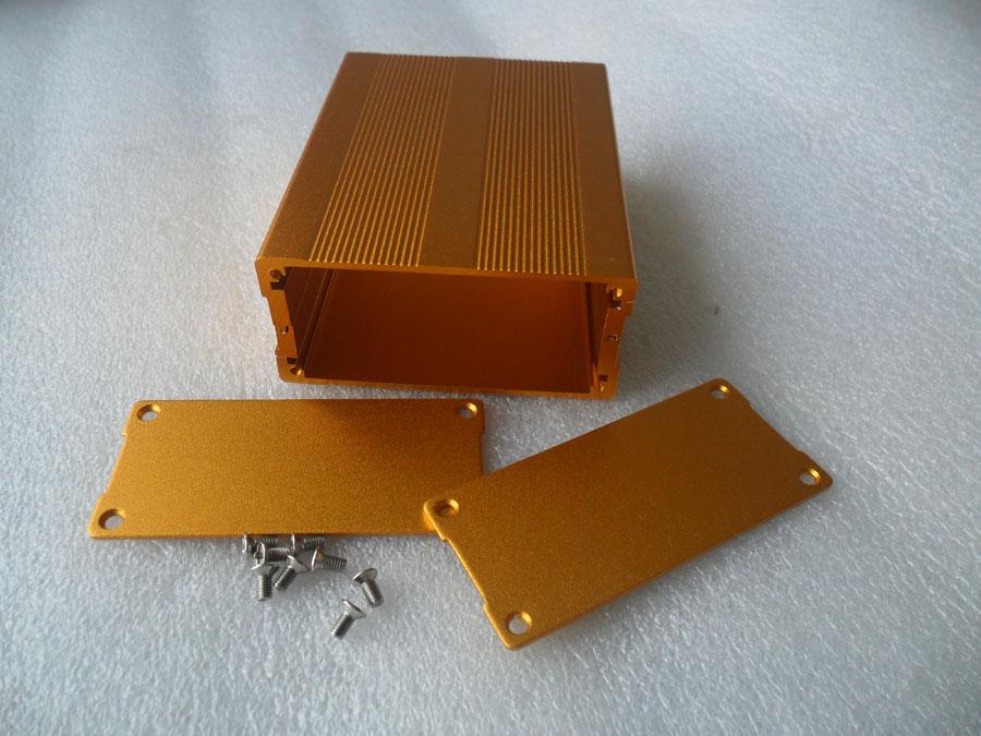 กล่องอลูมิเนียมสีทองขนาด 35X76X100mm
