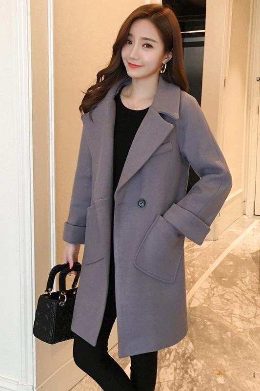 เสื้อโค้ทแฟชั่น Overcoat พร้อมส่ง สีเทา ตัวยาว คอปก สุดเท่ห์ Overcoat แนวดาราซีรี่เกาหลีใส่กันเลยนะคะ กระดุมหน้าเก๋ คัตติ้งสวย เนื้อผ้าดีมากค่ะ