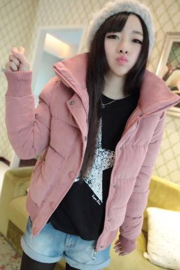 เสื้อกันหนาว พร้อมส่ง สีชมพู กระดุมหน้า รูดซิบขึ้นช่วงคอกันลมได้ค่ะ งานสวยเหมือนแบบแน่นอนค่ะ