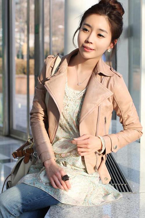 เสื้อแจ็คเก็ต เสื้อหนังแฟชั่น พร้อมส่ง สีชมพู หนังเงา แบบเท่ห์ๆ อินเทรนด์ สไตล์เกาหลี