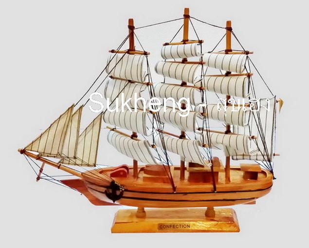 เรือสำเภาไม้จำลองตั้งโชว ขนาด 14 นิ้ว