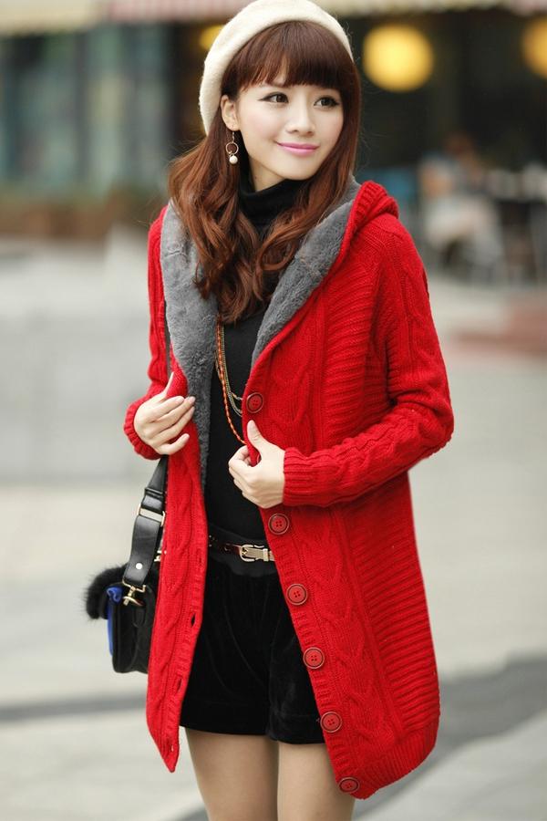 เสื้อกันหนาวไหมพรม พร้อมส่ง สีแดง ตัวยาว ลายลูกโซ่เก๋ๆ มีฮูท ด้านในเป็นขนสัตว์สังเคราะห์ เนื้อนิ่ม น่ารักๆ