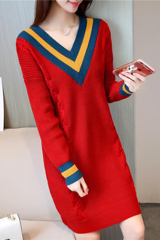 เสื้อกันหนาวไหมพรม พร้อมส่ง สีแดง คอเสื้อวี สลับสีเก๋ แขนยาว ถักลายลูกโซ่ด้านหน้า น่ารักๆ