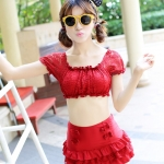 (พร้อมส่ง Size M,L) ชุดว่ายน้ำทูพีช สีแดง ตัวเสื้อแต่งด้วยผ้าลูกไม้แขนตุ๊กตาน่ารักมากๆ ดีเทลกระโปรงบานแต่งระบายเป็นชั้นๆ