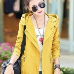 เสื้อกันหนาวแฟชั่น พร้อมส่ง สีเหลือง แขนยาว แต่งจั๊มปลายแขน แต่งลายจุดช่วงกระเป๋าและซับในฮูท แบบซิบรูดติดทับด้วยกระดุมแป๊ก
