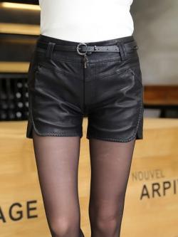 กางเกงหนัง พร้อมส่ง กางเกงหนังขาสั้น สีดำ ทำจากหนังแกะสังเคราะห์ แหวกข้างเก๋ หนังเนื้อนิ่ม งาน Premium Quality กระเป๋า 2 ข้างใช้งานได้
