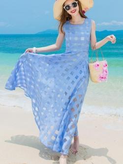 ชุดเดรสยาว MAXIDRESS พร้อมส่ง สีฟ้า ผ้าชีฟอง แต่งลายตารางด้วยผ้าแก้วน่ารัก ใส่ไปเที่ยวทะเล งานปาร์ตี้ชายทะเลเก๋ๆ