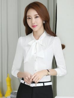 เสื้อเชิ้ตทำงาน เสื้อแฟชั่น สีขาว แต่งจับจีบช่วงคอเสื้อ คอจีนแต่งผูกโบว์น่ารัก แขนยาว เนื้อผ้า ลื่นๆใส่สบาย
