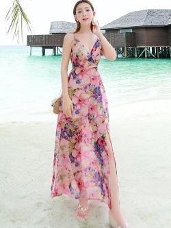 ชุดเดรสยาว MAXIDRESS พร้อมส่ง สีชมพู สายเดี่ยว คอวีลึก พิมพ์ลวดลายดอกไม้สีม่วง ผ้าชีฟอง เอวยางยืด งานสวยเหมือนแบบแน่นอนค่ะ