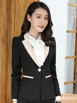 เสื้อสูทแฟชั่น พร้อมส่ง เสื้อสูท สีดำ แต่งคอปกด้วยผ้ามันเงาสีครีม ผ้าคอตตอน 100 % เนื้อดี คุณภาพงานพรีเมี่ยม งานตัดเย็บเนี๊ยบ แขนยาว ดีเทลกระดุมสุดเก๋