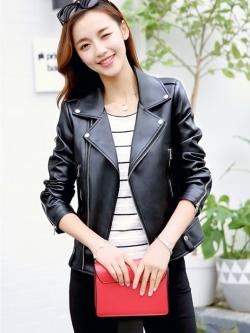 (สินค้าหลุด QC กระดุมแป๊กแต่งตรงหัวไหล่ใช้งานไม่ได้ 1 ข้างค่ะ)เสื้อแจ็คเก็ต เสื้อหนังแฟชั่น พร้อมส่ง สีดำ แขนยาว ตัวสั้น คอปกแต่งมุดโฉบเฉี่ยว หนังนิ่ม ใส่สบาย แต่งซิบรูดสุดเท่ห์ มีซับใน แต่งซิบรูดปลายแขน หนัง PU คุณภาพงานพรีเมี่ยม งานเหมือนแบบ 100 % ค่ะ
