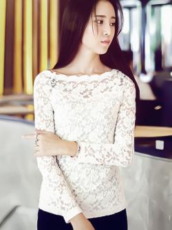 เสื้อลูกไม้แฟชั่น พร้อมส่ง สีขาว น่ารัก แขนยาว เปิดไหล่กว้างเซ็กซี่ สวยสไตล์