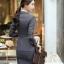ชุดสูททำงาน และ กระโปรง กางเกง เสื้อกั๊ก : ชุดสูททำงาน เซ็ตคู่ เสื้อสูทสีเทา คอปก แขนยาว ติดกระดุม 2 แถว ทรงเรียบหรู เข้าชุดกับ กระโปรง กางเกง เสื้อกั๊ก thumbnail 7
