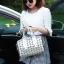 กระเป๋าสะพายข้างผู้หญิงสีเมทัลลิค Fashion Lady thumbnail 8