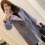 เสื้อโค้ทแฟชั่น Overcoat พร้อมส่ง สีเทา ตัวยาว คอปก สุดเท่ห์ Overcoat แนวดาราซีรี่เกาหลีใส่กันเลยนะคะ กระดุมหน้าเก๋ คัตติ้งสวย เนื้อผ้าดีมากค่ะ thumbnail 7